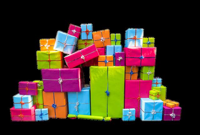 Hromada svatebních dárků